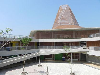 Mazzanti baut die neue Pies Descalzos School in Cartagena