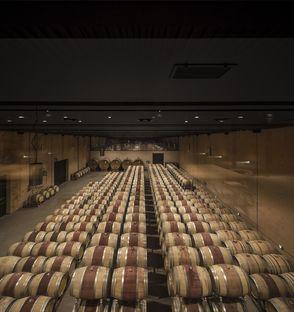 Die Weinkellerei Bulgari von Alvisi Kirimoto in San Casciano dei Bagni (Siena)