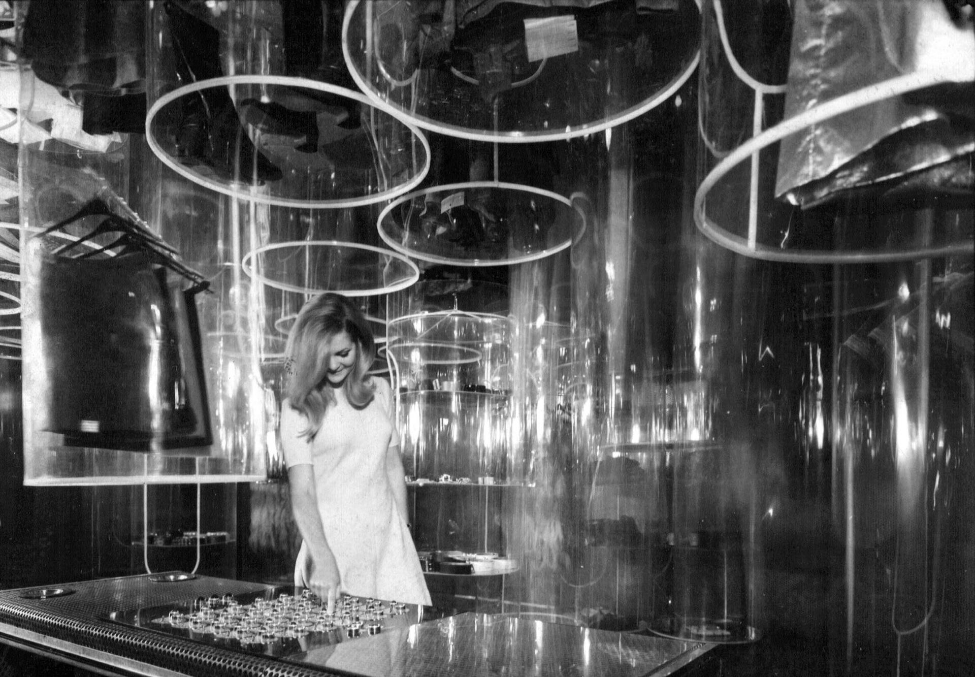 Das Design und die Pop-Kultur der Diskotheken in Italien