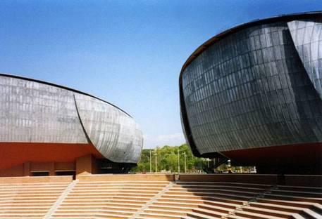 Reise in Europa mit den Projekten von Architekt Renzo Piano