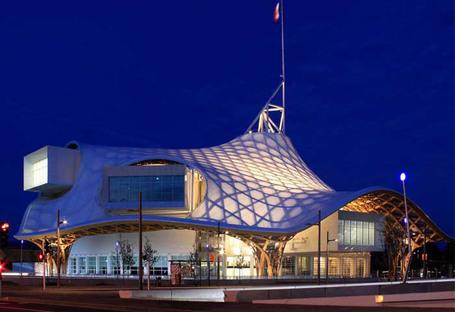 Auf der Entdeckung der Architekturen des Pritzker-Preisträgers Shigeru Ban