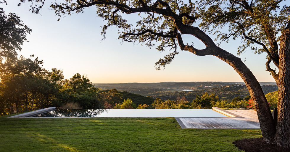 Ridge Oak Residence: rebirth of a mid-century modern residence in Austin