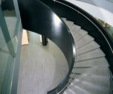 Treppen aus Feinsteinzeug: Lösungen für Wohnräume<br />