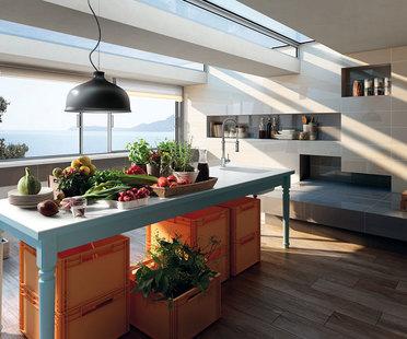 Fußböden und Verkleidungen aus Feinsteinzeug für eine neue Küche