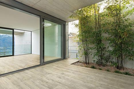 Neue häusliche Umgebungen mit den Oberflächen in Holz-Optik von Ariostea