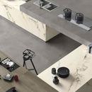 Roads Maxfine: großformatiges Feinsteinzeug für den Innen- und Außenbereich