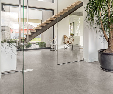CON.CREA. mit Beton- und Harz-Optik, für zeitgenössische Umgebungen im minimalistischen Stil<br />