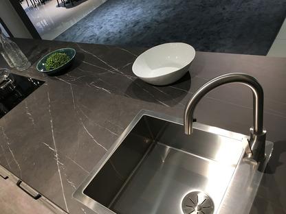 SapienStone: dunkle und neutrale Farben für die Küchenarbeitsplatten 2020