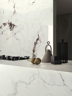 Neue helle und dunkle Marmorsorten Ultra Ariostea für elegante und helle Räumlichkeiten