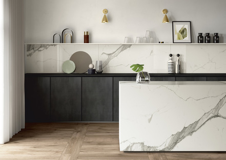 Weiß, hell und einladend: die Küchenplatte SapienStone Calacatta 2020