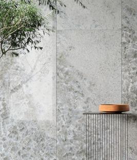 Crystal Dark, Grey und Sky: die raffinierte Eleganz der neuen Marmorsorten von Ariostea