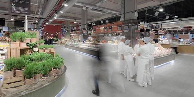 Verkleidungen für einen neuen Supermarkt. UNICOOP Firenze von Paolo Lucchetta.