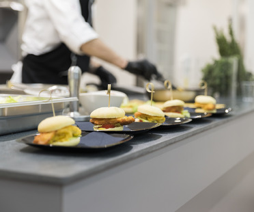 SapienStone kommt auf vier Rädern zur Espacio Cocina…