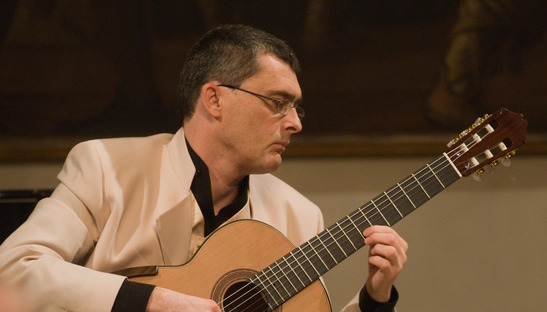 Il chitarrista classico Claudio Piastra: anche il cibo è musica