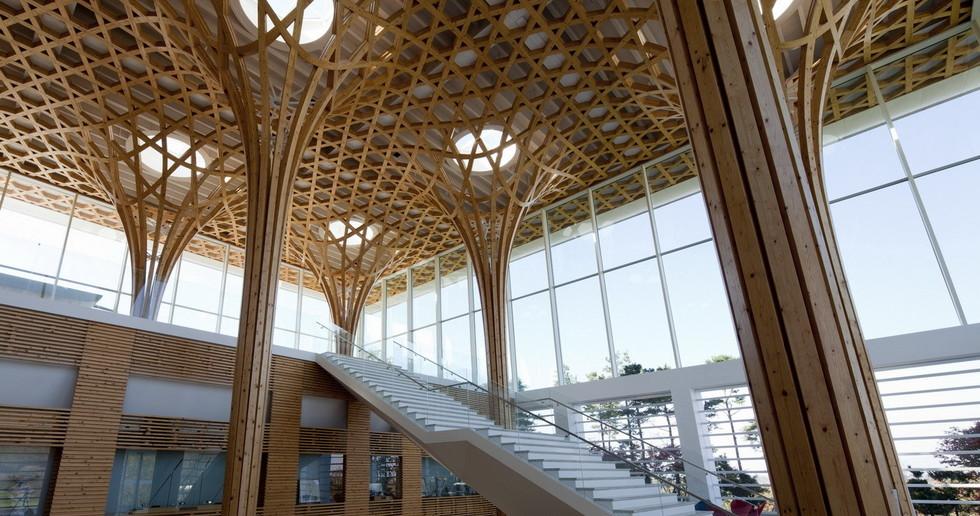 Gebogene Holzstruktur für den Golfclub in Yeoju, Gyeonggi, South Korea von Shigeru Ban
