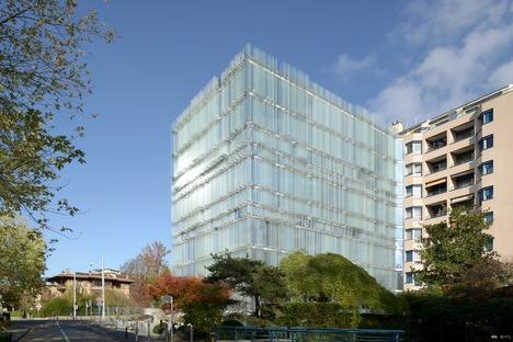 Siebbedrucktes Glas für den Firmensitz der Société Privée de Gérance von Büro Vaccarini