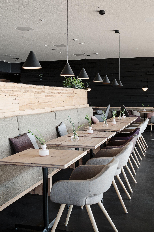 Kuppeln als Holzlamellen fuer ein Restaurant mit Sauna von Avanto ...