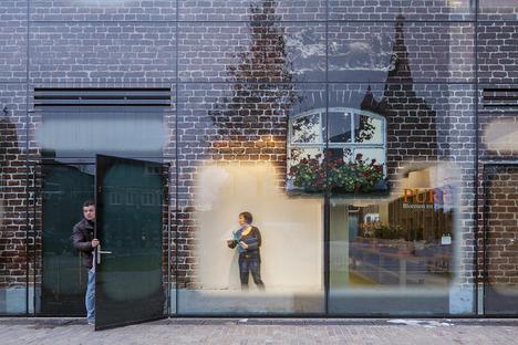 Riesenbilder auf Fenstern für die Glass Farm von MVRDV