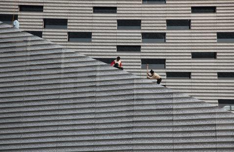 Die Fassade von Steven Holl's Horizontal Skyscraper in Shenzhen, China