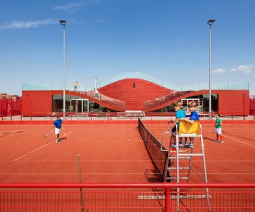Tennisclub mit EPDM-Beschichtung