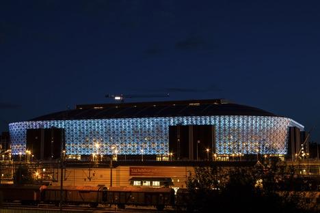 Mikrogelochte Fassade für die technologische Friends Arena von Berg, C. F. Møller und Krook & Tjade