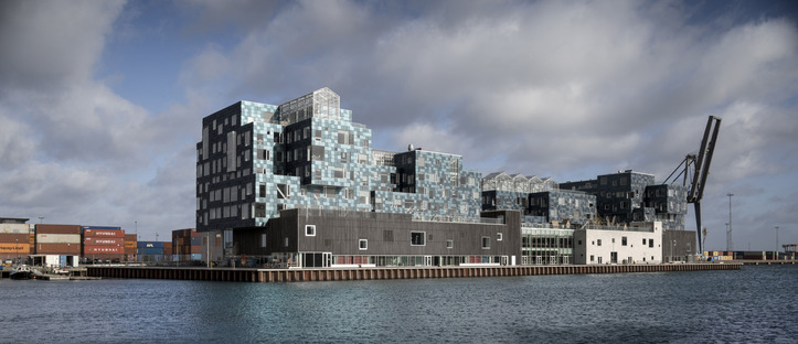 The International School Kopenhagen mit Solarfassade von C.F. Møller Architects