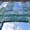 Crystal House von MVRDV: Eine Fassade aus Glasziegeln.
