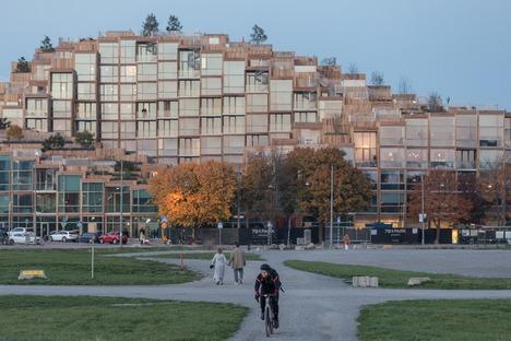 Mit Zedernholz verkleidete Wohnungen in Gärdet-Stockholm für den 79&Park von BIG