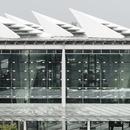 Kris Yaos' Hochgeschwindigkeitsbahnhof mit Hohlsäulen in Changhua