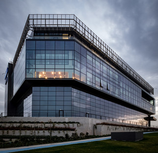 Glas und Zement für das Forschungs- und Entwicklungszentrum Kordsa in Istanbul