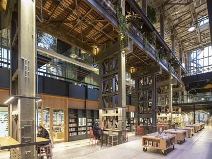 Die Innenräume der Bibliothek locHal von Mecanoo