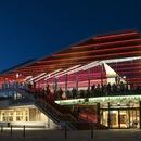 Il Flekkefjord Cultural Center aus Holz und Stahlbeton
