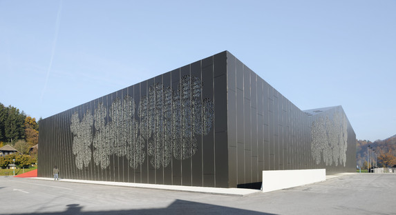 Gitterkonstruktion für das Sportzentrum in Podčetrtek von Enota