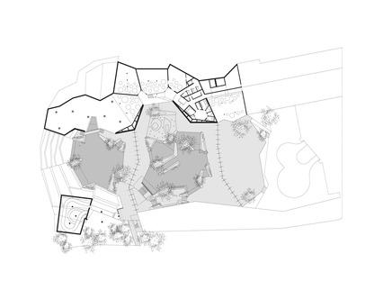 Hallenbad mit Stahl- und Aluminiumstruktur von Enota Architects