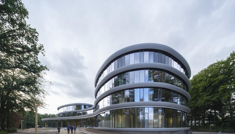 Zerlegbare Holzkonstruktion für die Triodos Bank von Rau Architects