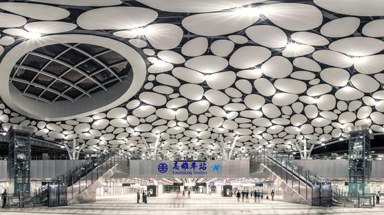 Der Bahnhof Kaohsiung von Mecanoo nähert sich der Fertigstellung