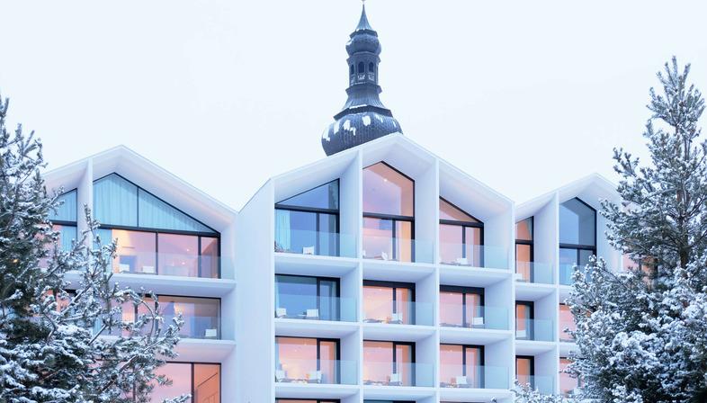 Renovierung eines Hotels in Beton, Holz und Glas von Peter Pichler