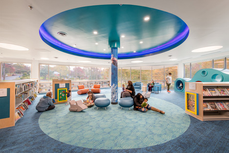 Transluzente Neon-Fassade für Bibliothek von Carrollton