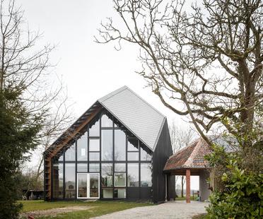 Ein Haus aus Holz, Kalk, Hanf und Stroh von NU Architectuur